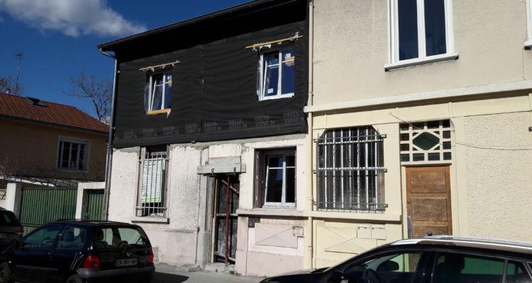 En attente des finitions en façade