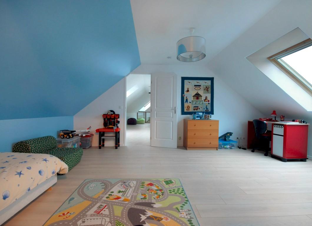 amenagement de combles en chambre amnagement combles de rve u ides de mansarde design. Black Bedroom Furniture Sets. Home Design Ideas